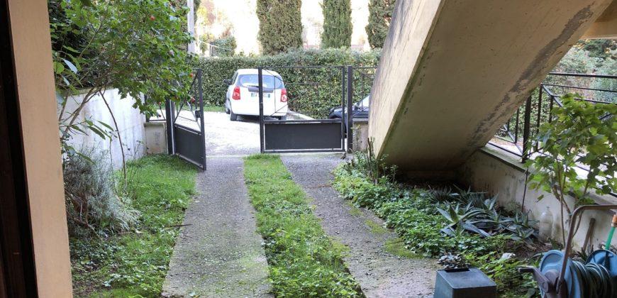 Villetta a schiera con posto auto