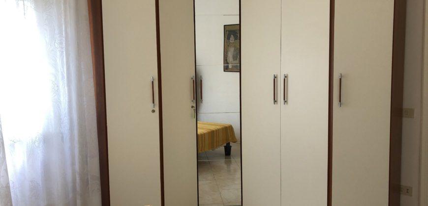 Appartamento con 2 camere zona pineta