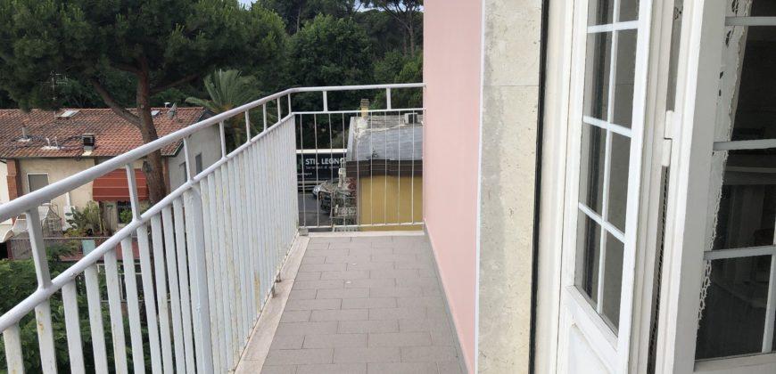 Attico con terrazza e posto auto