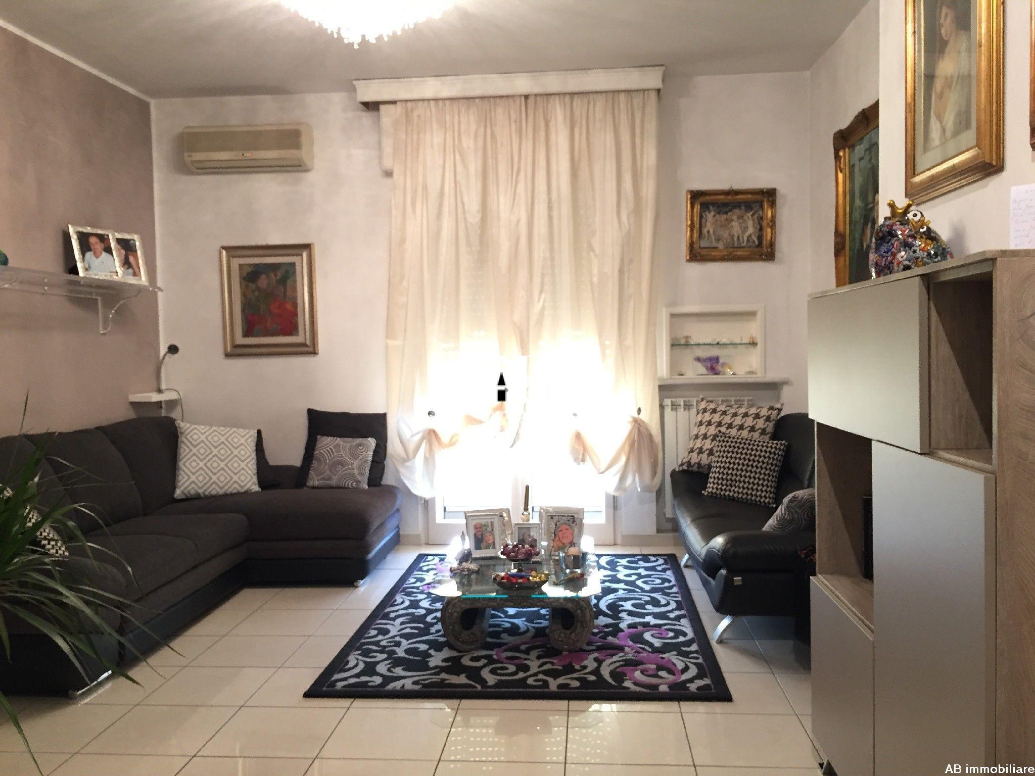 Appartamento ristrutturato con 2 camere e 2 bagni