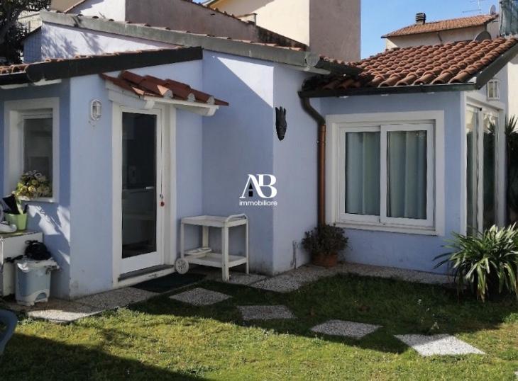 Casetta indipendente con giardino