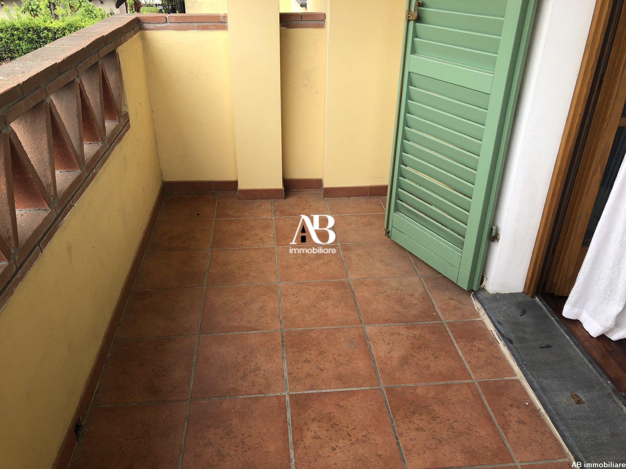 Bifamiliare in affitto 4+4