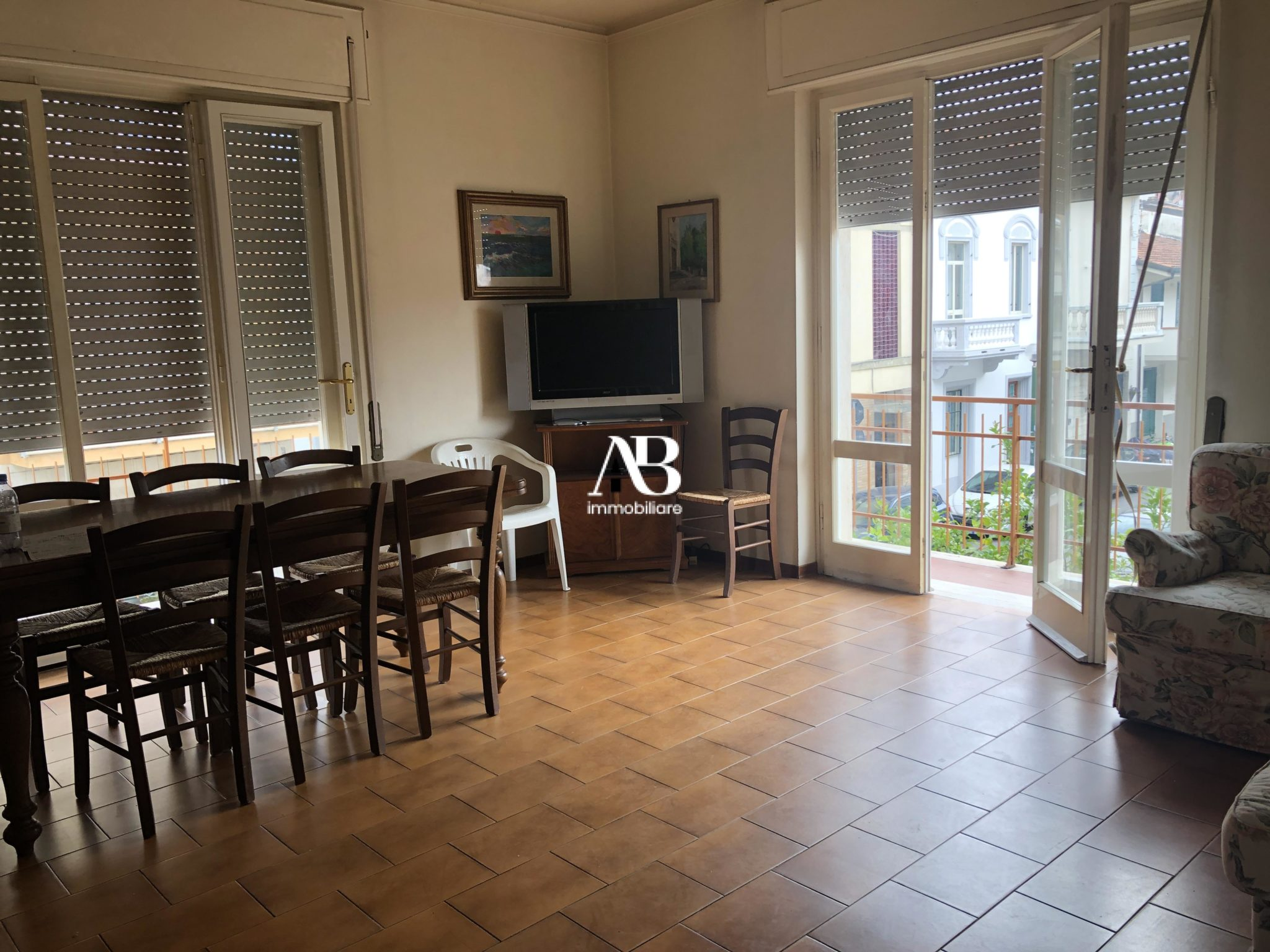 Ampio appartamento con terrazza
